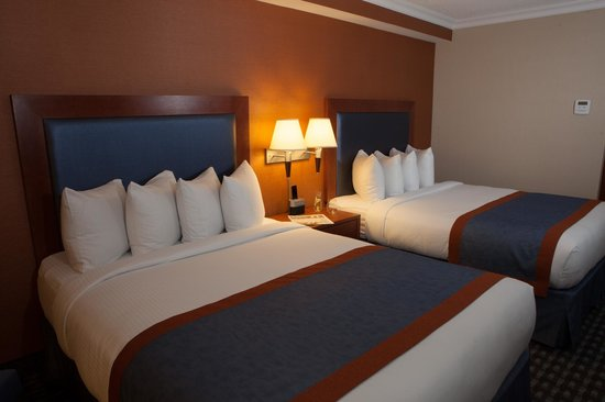 Southway Hotel : Traditional Two Queen Guestroom