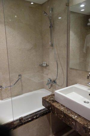 Le Méridien Pyramids Hotel & Spa: Bathroom