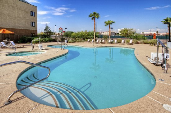 Hampton Inn and Suites Las Vegas - Henderson: Pool