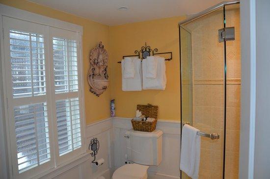 Carpe Diem Guesthouse & Spa : Grosses Badezimmer