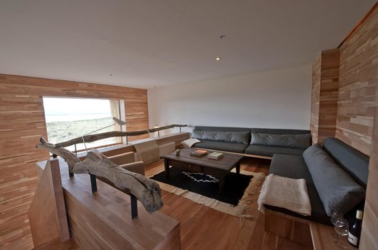Tierra Patagonia Hotel & Spa: Living of Suite Rooms
