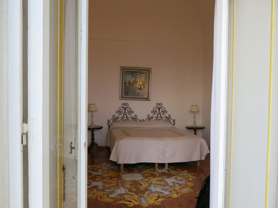 Hotel Maricanto: Airy, large room