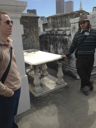 Nola Tour Guy: David Hedges in the cemetery