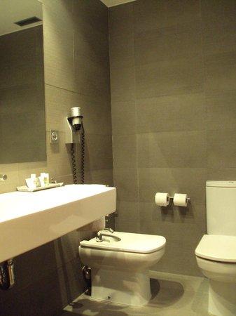 Hotel Jáuregui: Baño de habitación doble estándar