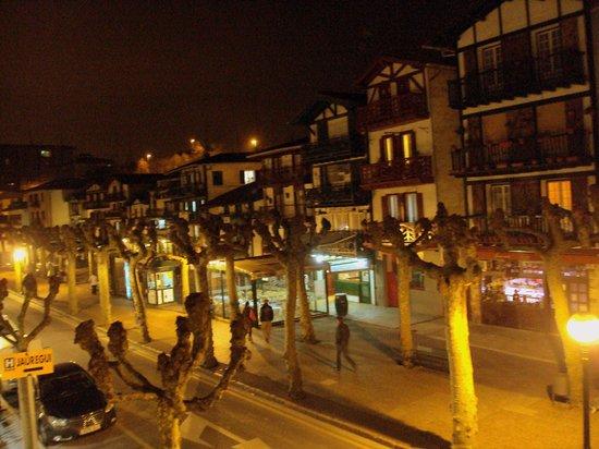 Hotel Jáuregui: Vista de la calle San Pedro desde mi habitación