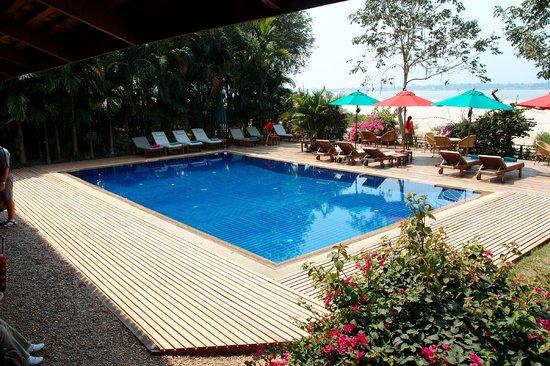 La Folie Lodge: the swimming pool