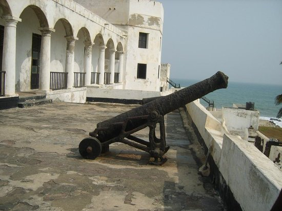 Picture of cannon in Elmina Castle