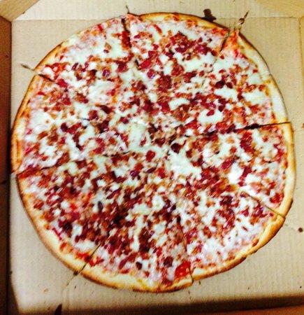 William's Pizza : Bacon Pizza