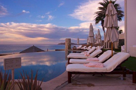 Las Ventanas al Paraiso, A Rosewood Resort: Morning poolside