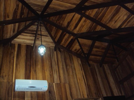 Hotel Lomas del Volcan: neat construction of rooms