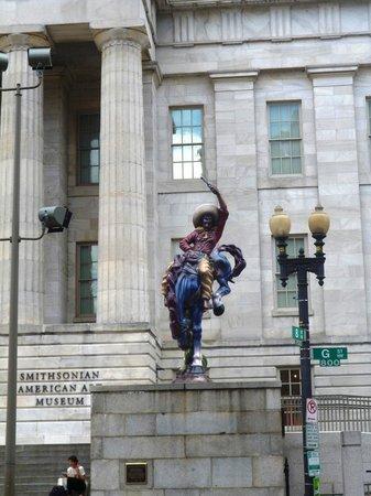 Smithsonian American Art Museum: Вход в Музей