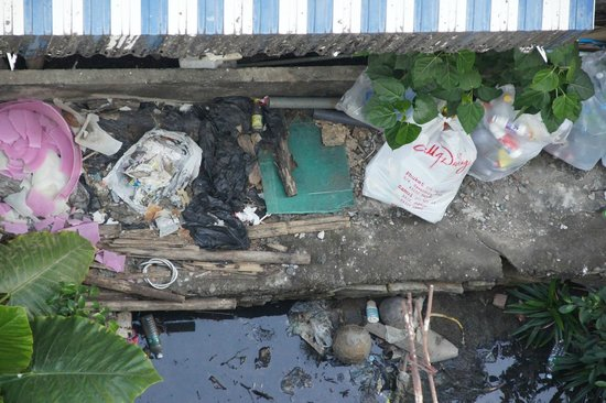 The Retro Siam: When you look down from the balcony... sewage and trash. How can people let that happen?!
