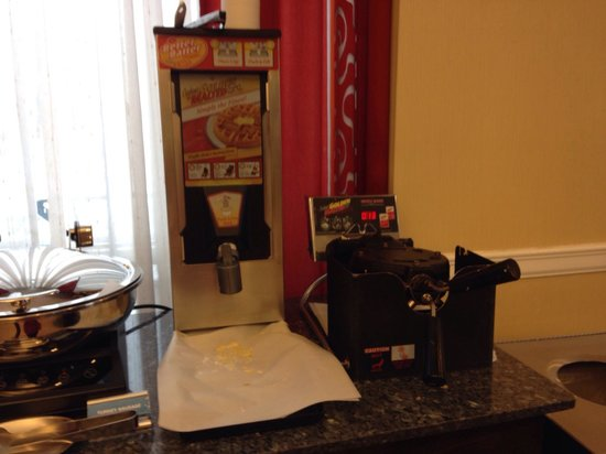 Fairfield Inn New York Long Island City / Manhattan View: Excelente café da manha!! (Máquina de waffles)