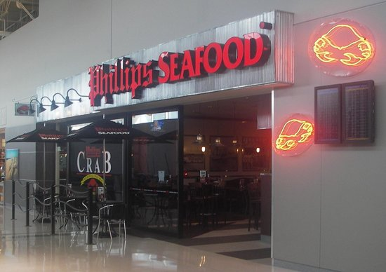 Phillips Seafood - Long Island Airport: getlstd_property_photo