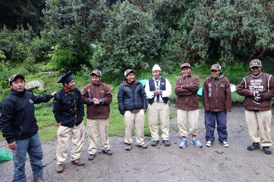 Inti Sun Trek: Guide and porters