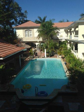 Rayon Hotel: Rayon Inn Pool