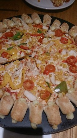 Pizza Hut: The presentation is lovley too :D