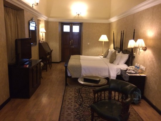 Royal Orchid Metropole Hotel: Heritage Room, doors lead to private verandah