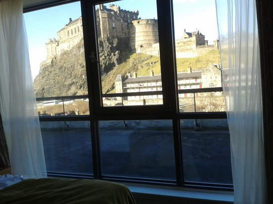 Apex Grassmarket Hotel: view from our room. 5th floor