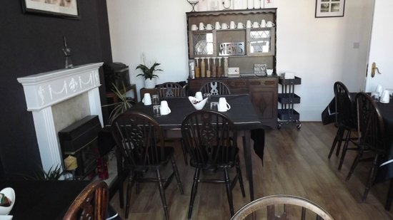 Ashford Guest House: Guest Dining