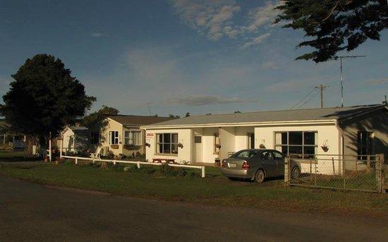 Pounawea Accommodation Centre and Keswick Camping Ground