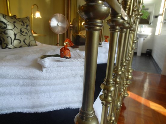 Northcliff Manor Guest House : Bed