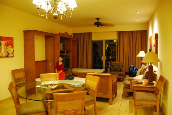 The Royal Haciendas All Suites Resort & Spa: Our unit (C222) - love the murphy beds - one for each kid