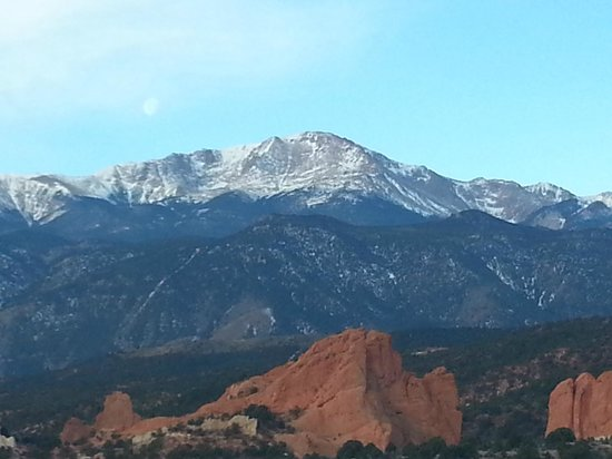 Garden of the Gods Club and Resort: Room view (1)