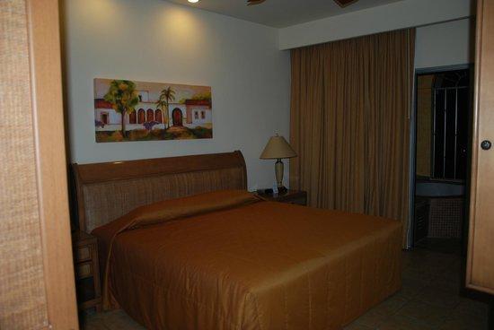 The Royal Haciendas All Suites Resort & Spa: Bedroom (C222)