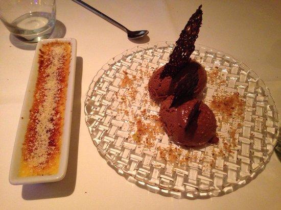 Franke Brasserie, Bar & Lounge: Creme Brûlée and chocolate mousse.