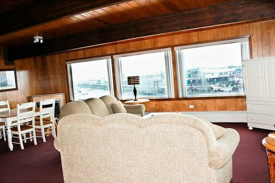 The Islander Motel & RV Park: Captain's Suite on 3rd Floor
