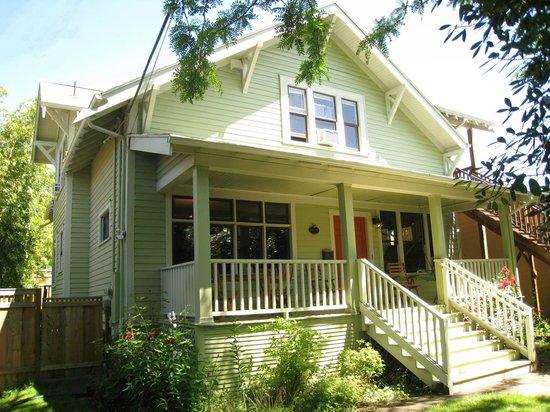 Photo of Bluebird Guesthouse Portland