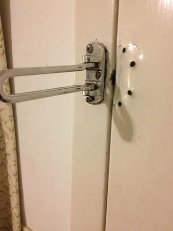 Greenleafe Inn : door lock