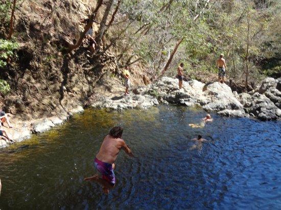 Hotel Vista de Olas: Roger takes a plunge