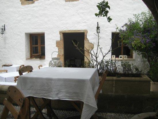 Odyssia Restaurant : 4