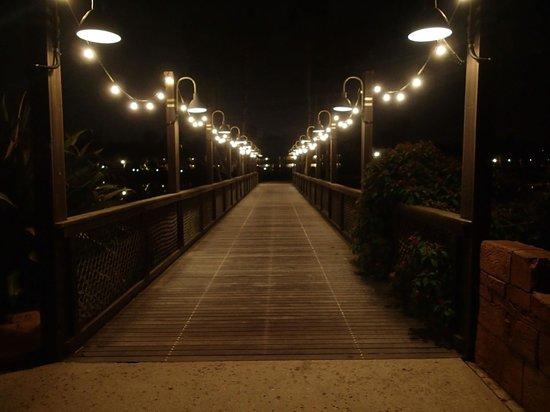 Disney's Coronado Springs Resort: Bridge to the Casitas