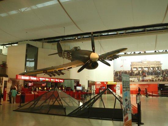 Mémorial de Caen : Foyer