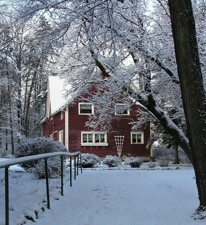 Uplands Cultural & Heritage Centre : Uplands- Red Barn in the Winter