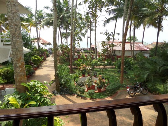 Hill View Beach Resort: View from room 9
