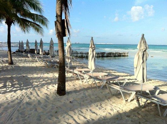 Cabanas Maria Del Mar: Beach was small but clean