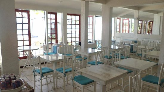 Chez Pitu Praia Hotel: Comedor