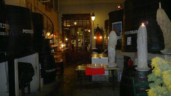 Taverna Can Margarit : sala delle botti