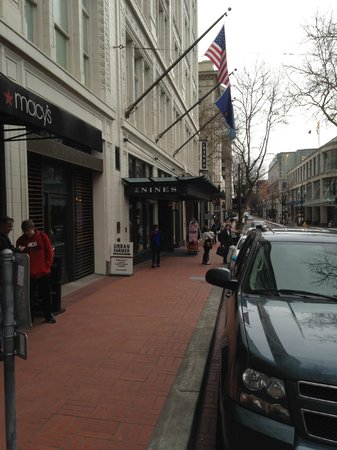 The Nines, a Luxury Collection Hotel, Portland: street entrance