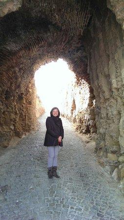 Narikala Fortress: Entering the fortress...