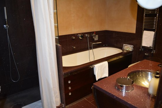 Ca' Pisani Hotel: Whirlpool Bath