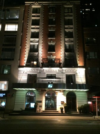 6 Columbus - A SIXTY Hotel : Front of Hotel