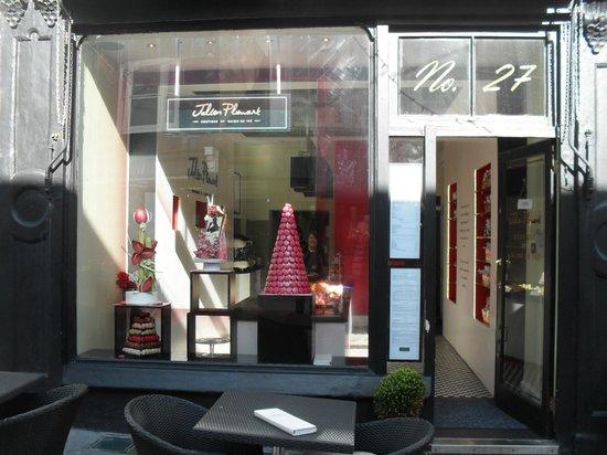 Julien Plumart Boutique: Shop front of city branch