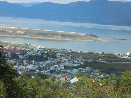 Altos Ushuaia : vista al canal de beagle