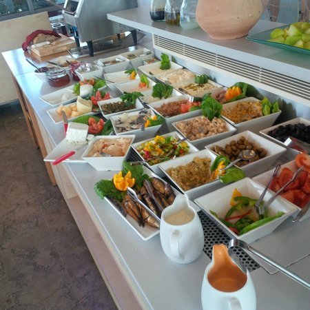 Hotel Gilgal: Ausschnitt vom reichhaltigen Frühstücksbuffet