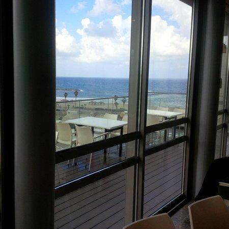 Hotel Gilgal: Ausblick vom Frühstücksraum aufs Mittelmeer